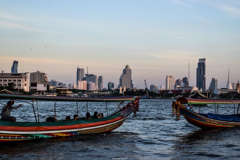 Grattacieli sul Chao Phraya – Bangkok