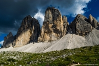 tre-cime-di-lavaredo-da-sotto