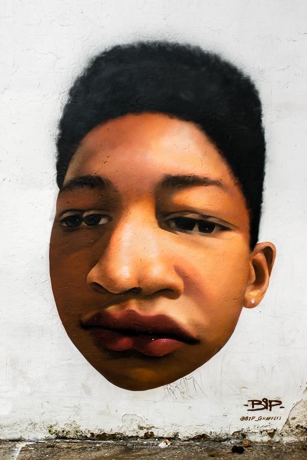 Murales ragazzo afro Bogotà